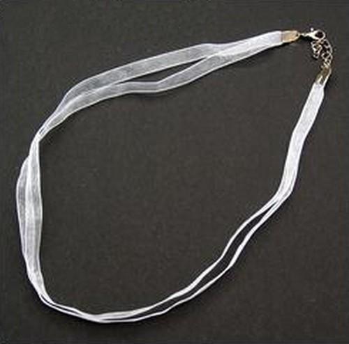 Kette aus Organza ca. 47cm lang ca. 7mm breit weiß 1Stk