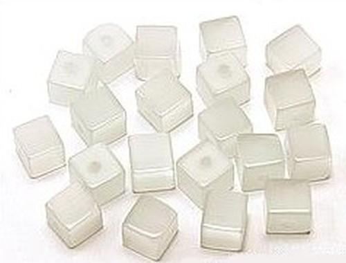 Cateyewürfel ca. 6mm (Nr. dx03) weiß