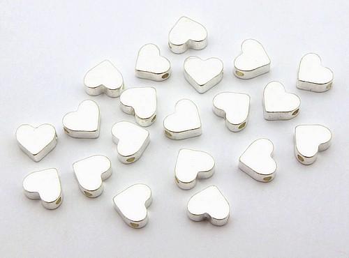Zwischenperlen Herz B ca. 6x7mm silberfarben