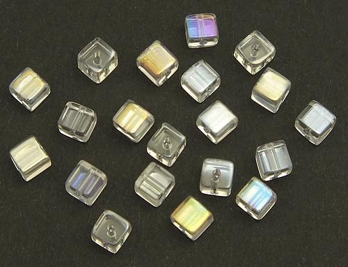 Glaswürfel kristall A/B ca. 4 x 4mm 20Stk