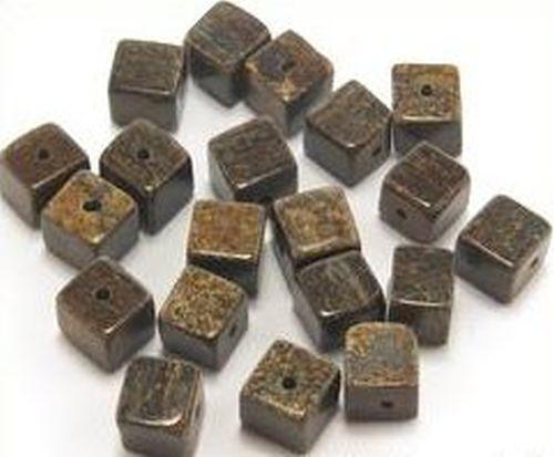 Bronzit Würfel ca. 6 x 6mm 20Stk