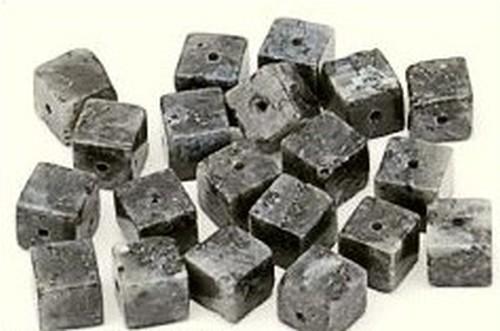Larvikit (Naturstein) Würfel ca. 8mm