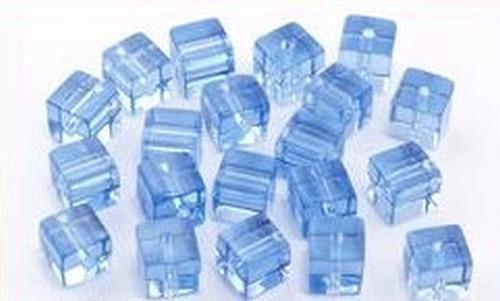 Glaswürfel ca. 6mm #16 hellblau